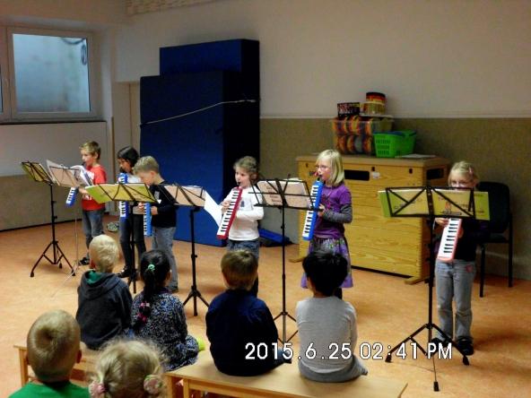 Melodica-Gruppe-beim-Kinderkonzert-2015.jpg
